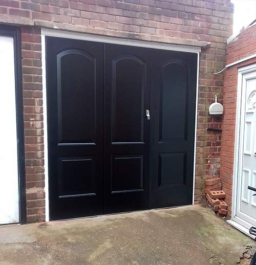 bi-fold centre door garage