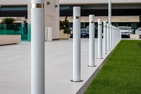 shopping-centre parking bollards