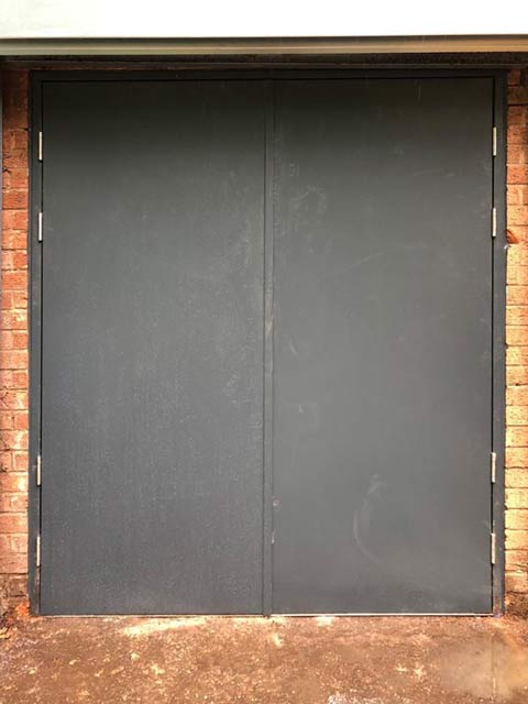 metador defender safeguard doors extra drop-down security bars exterior